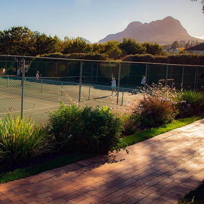 <p>Tennis</p> - 1