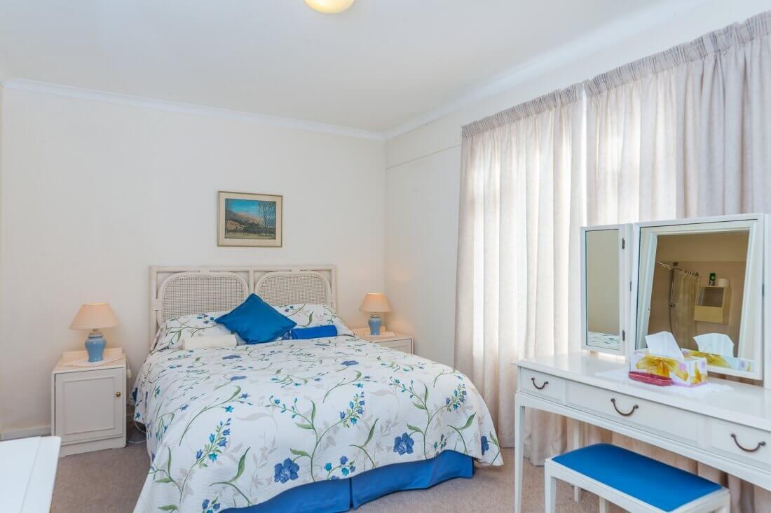 Apartment H10